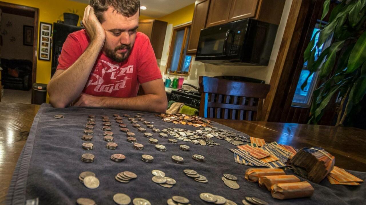 Adam steigert money shutdown