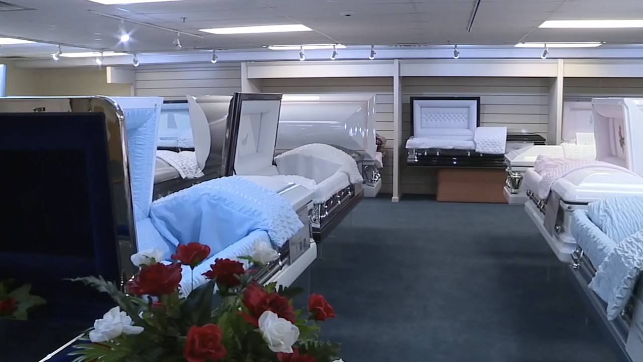 FEMA to cover funeral expenses from COVID-19 deaths.png