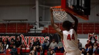 Dawson CC dunk