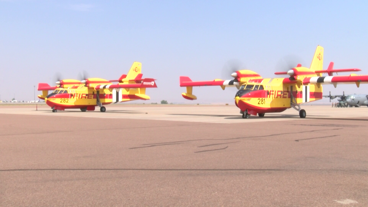 """Super Scooper"" firefighting airplanes"