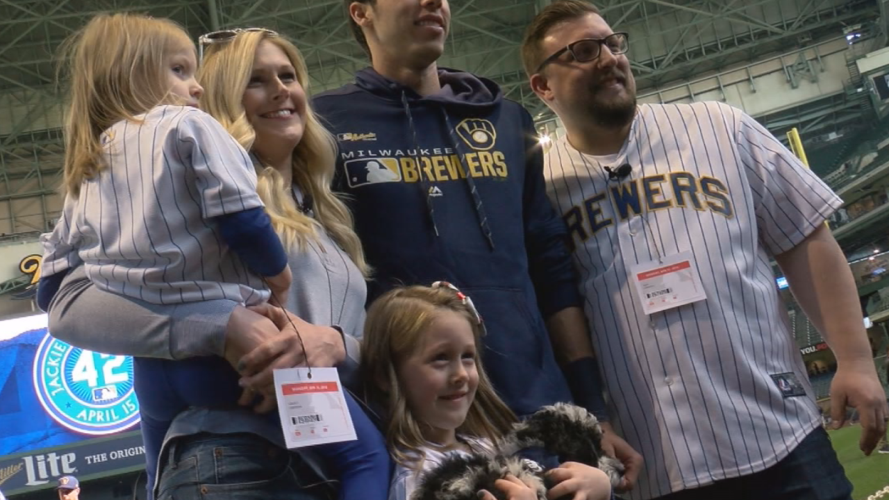Brewers' Christian Yelich helps dad make good on promise for puppy