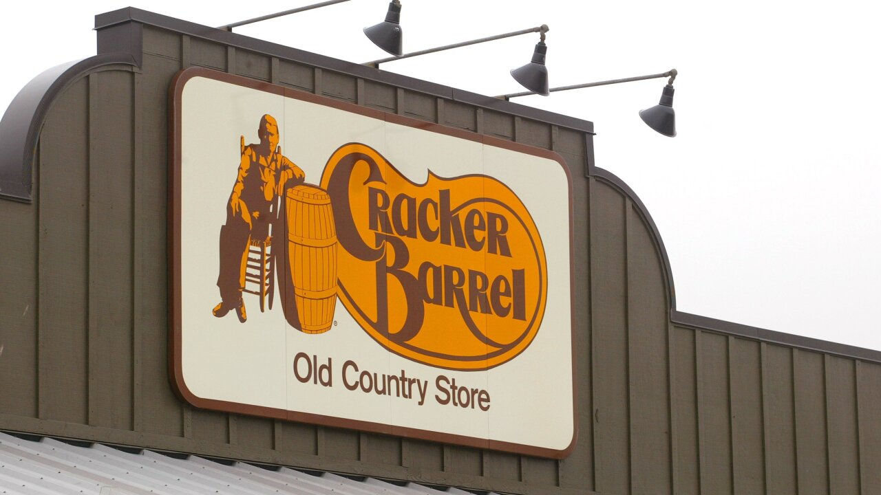 Cracker Barrel bans anti-gay pastor from holding event in Tennessee restaurant