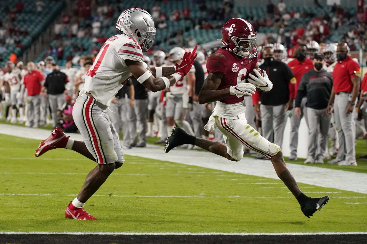 Alabama Crimson Tide receiver DeVonta Smith scores TD vs. Ohio State Buckeyes in second quarter of 2021 College Football Playoff National Championship