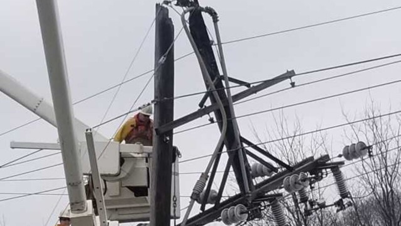 Massive power outage hits Waukesha Saturday AM