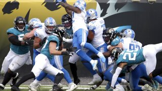 DeAndre Swift rushes for 2 touchdowns in Lions win over Jaguars