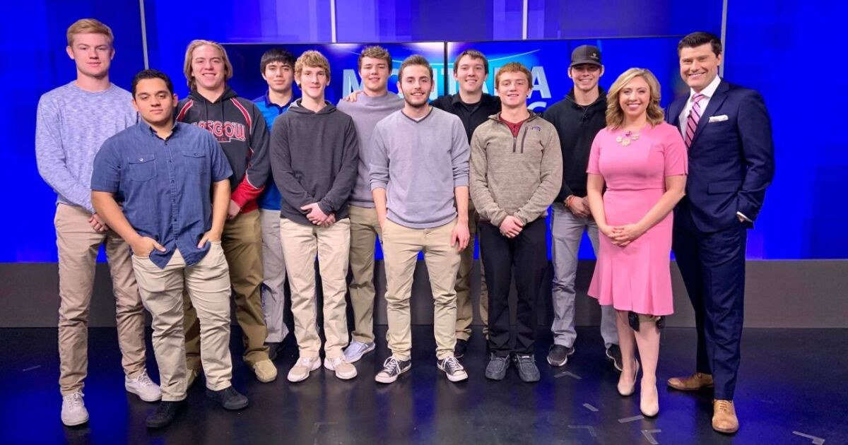 """Students from Glasgow got a """"behind the scenes"""" look at KRTV - KRTV Great Falls News"""