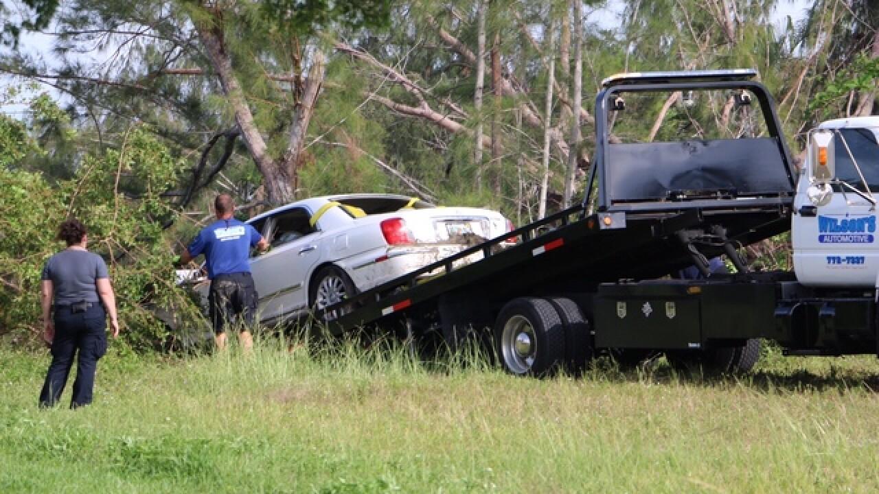 Police investigate Cape Coral crash