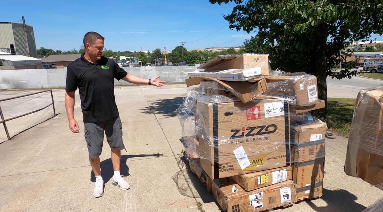 Matt Forman shows Amazon customer returns at his liquidation warehouse in Burlington, KY