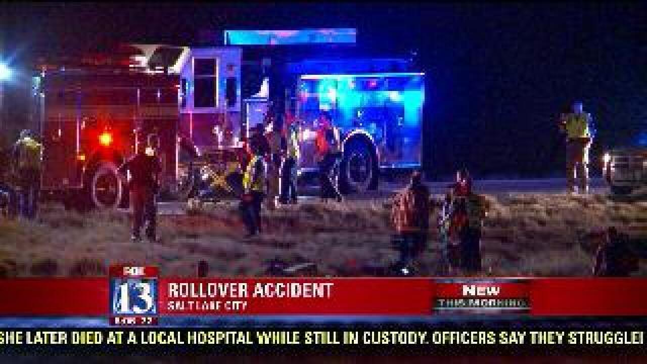 2 seriously injured in I-215 rollover