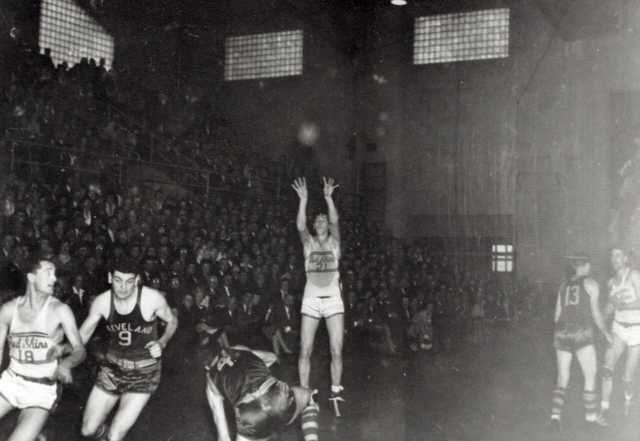 A basketball game between Sheboygan and Cleveland. Image Preserved by the Sheboygan  County Historical Research Center.