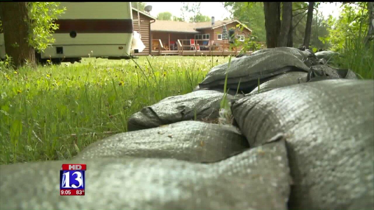 Oakley residents make flood preparations as Utah rivers runhigh