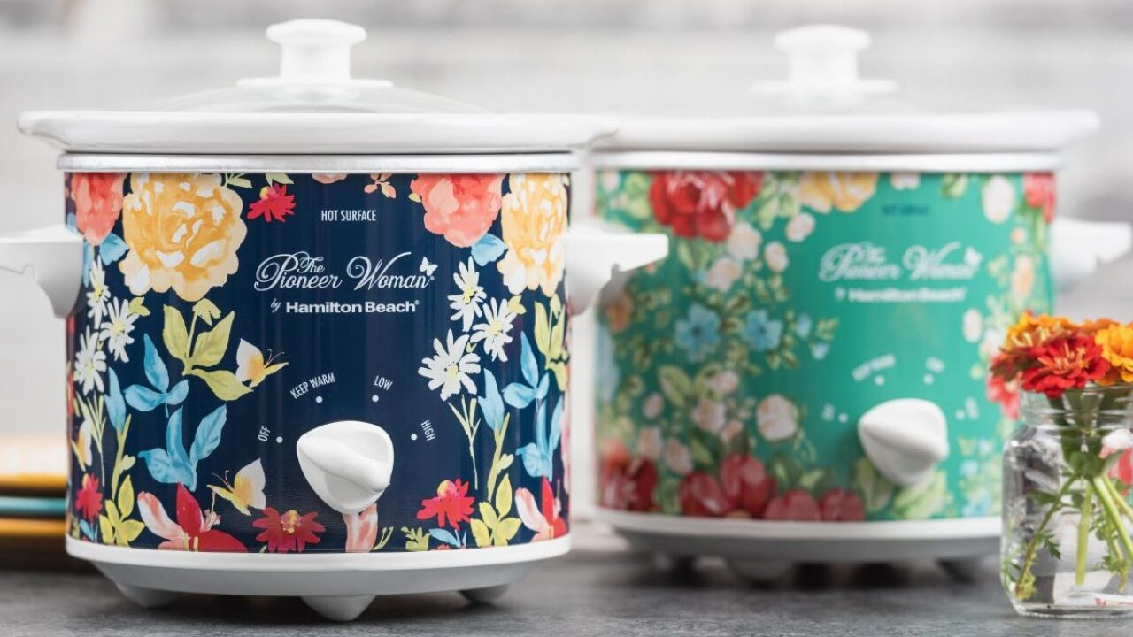 You can get 2 Pioneer Woman slow cookers for less than $25 at Walmart right now — down from $45