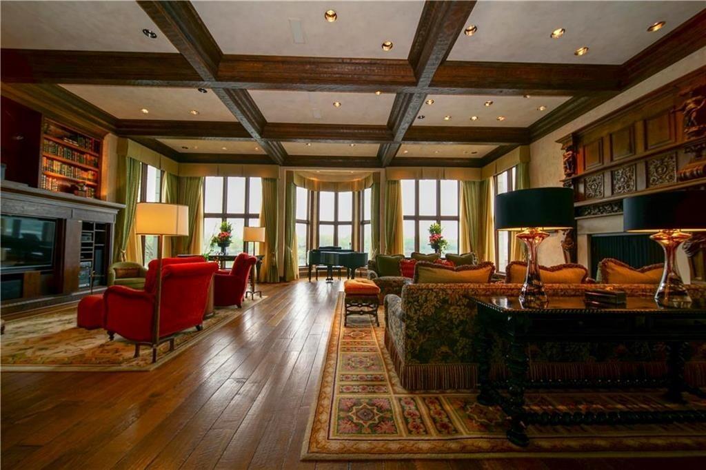 weatherby lake mansion 23