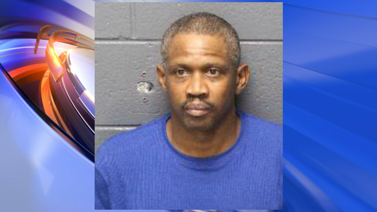 Hampton Police arrest man in Black Friday purse snatching