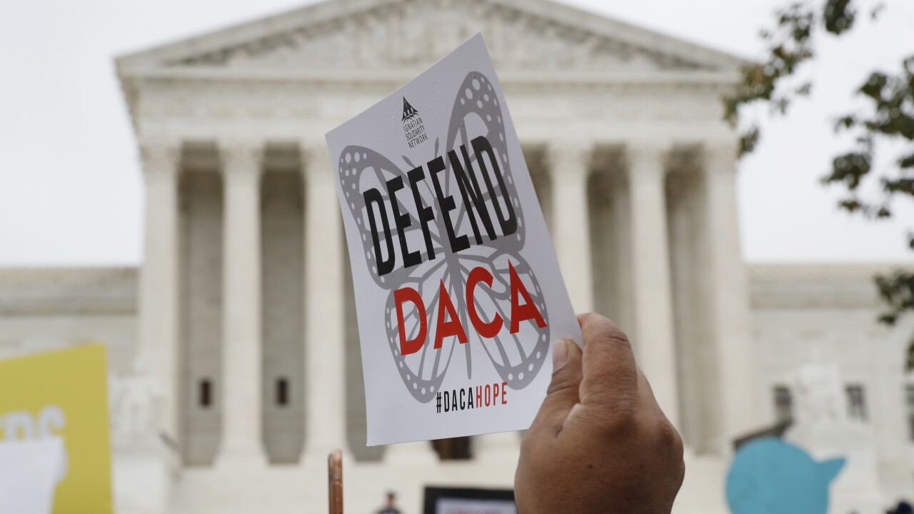 Judge orders Trump administration to accept new DACA applications