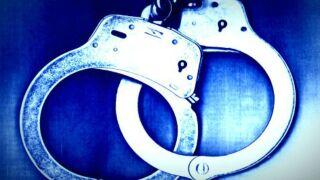 handcuffs_generic_1375881287293_696479_ver1.0_640_480.jpg