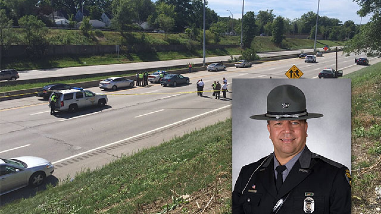 Ohio trooper hit by vehicle on highway dies