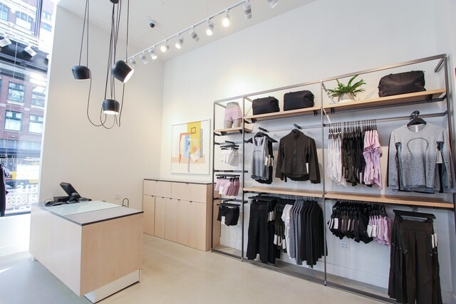 Lululemon opens new store in downtown Detroit