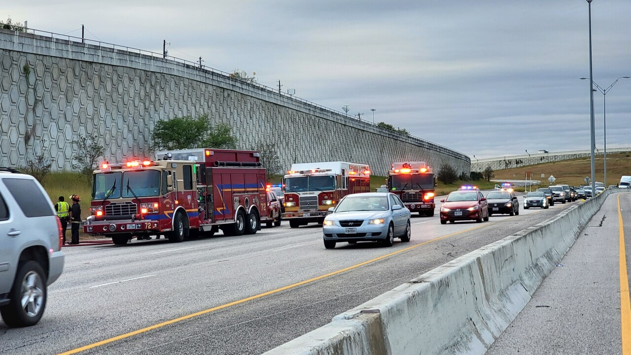 Accident closes two lanes of I-37 south