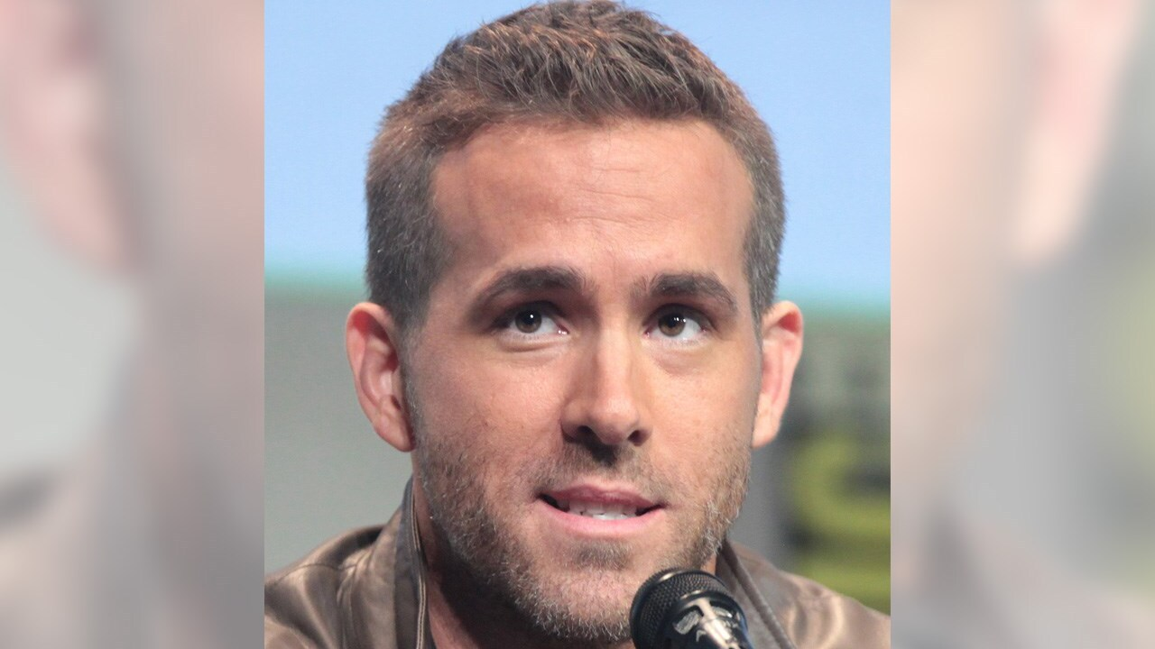 'Deadpool' star Ryan Reynolds shows support for Brewvies