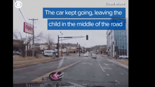 Video extra: Toddler falls out of car in Minnesota