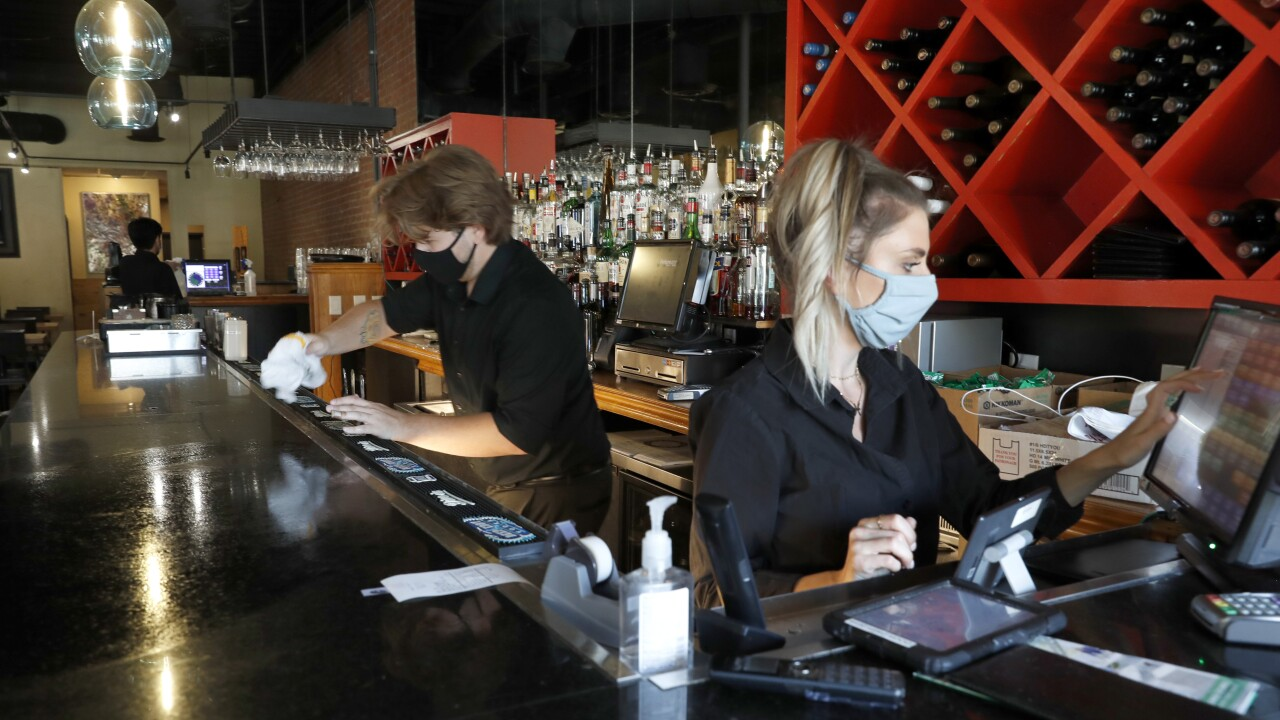 Why are bars in Texas and Florida closing amid COVID-19 pandemic