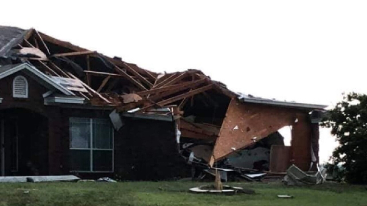 Central Texas tornado damages nearly 200 homes