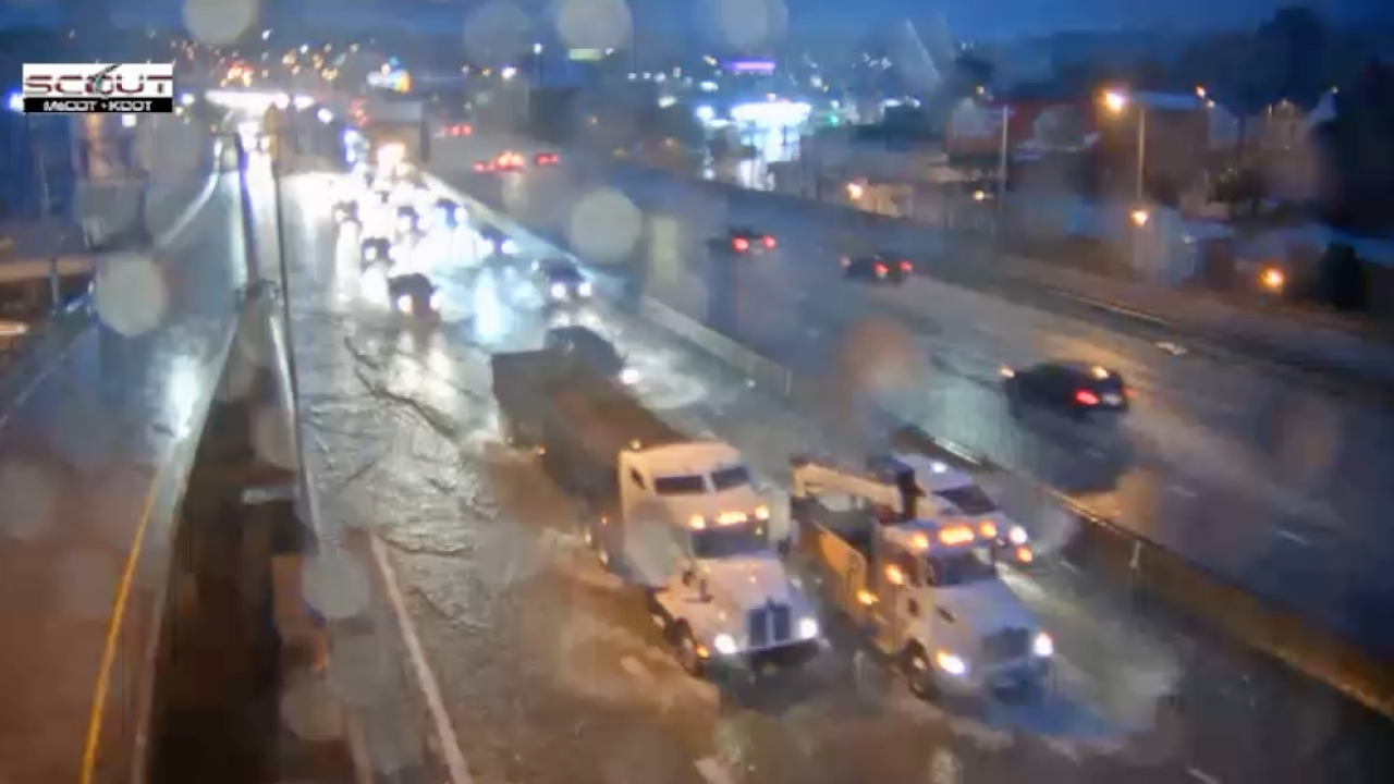 I-35 NB at West Penway flooding
