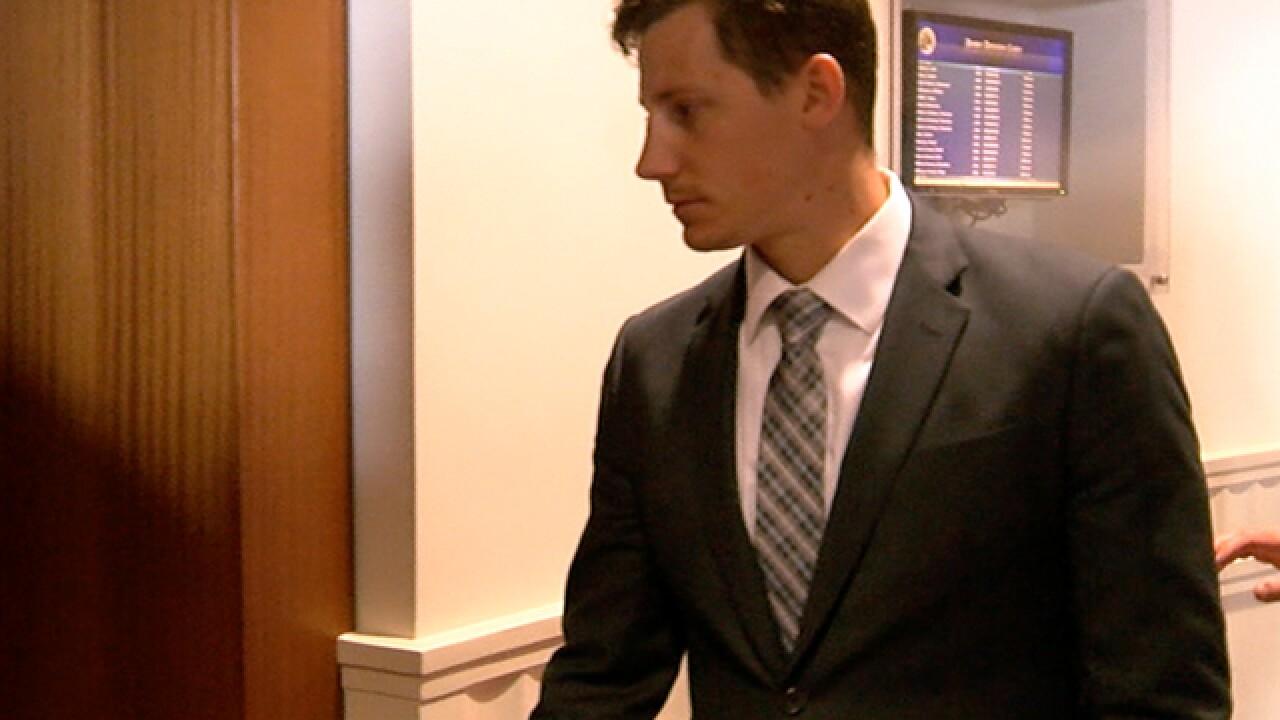 Dancing FBI agent who shot man to enter plea