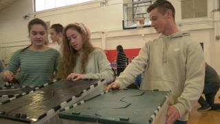 Bozeman High School students spend MLK Day volunteering