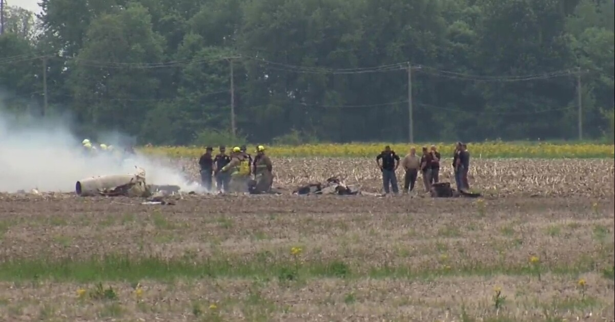 Two killed in plane crash near Indianapolis Regional Airport