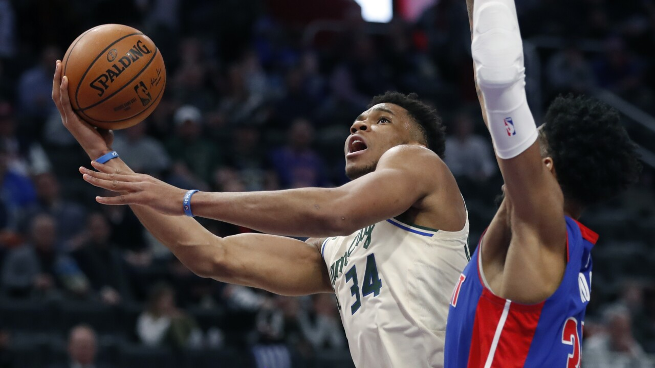 Giannis Antetokounmpo, Christian Wood