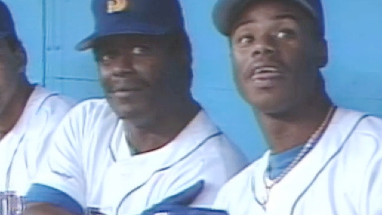 WATCH: Father & son Griffey hit back-to-back HRs