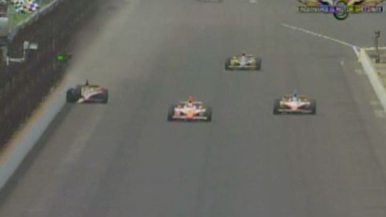 2011 Indy 500 decided by crash on last turn