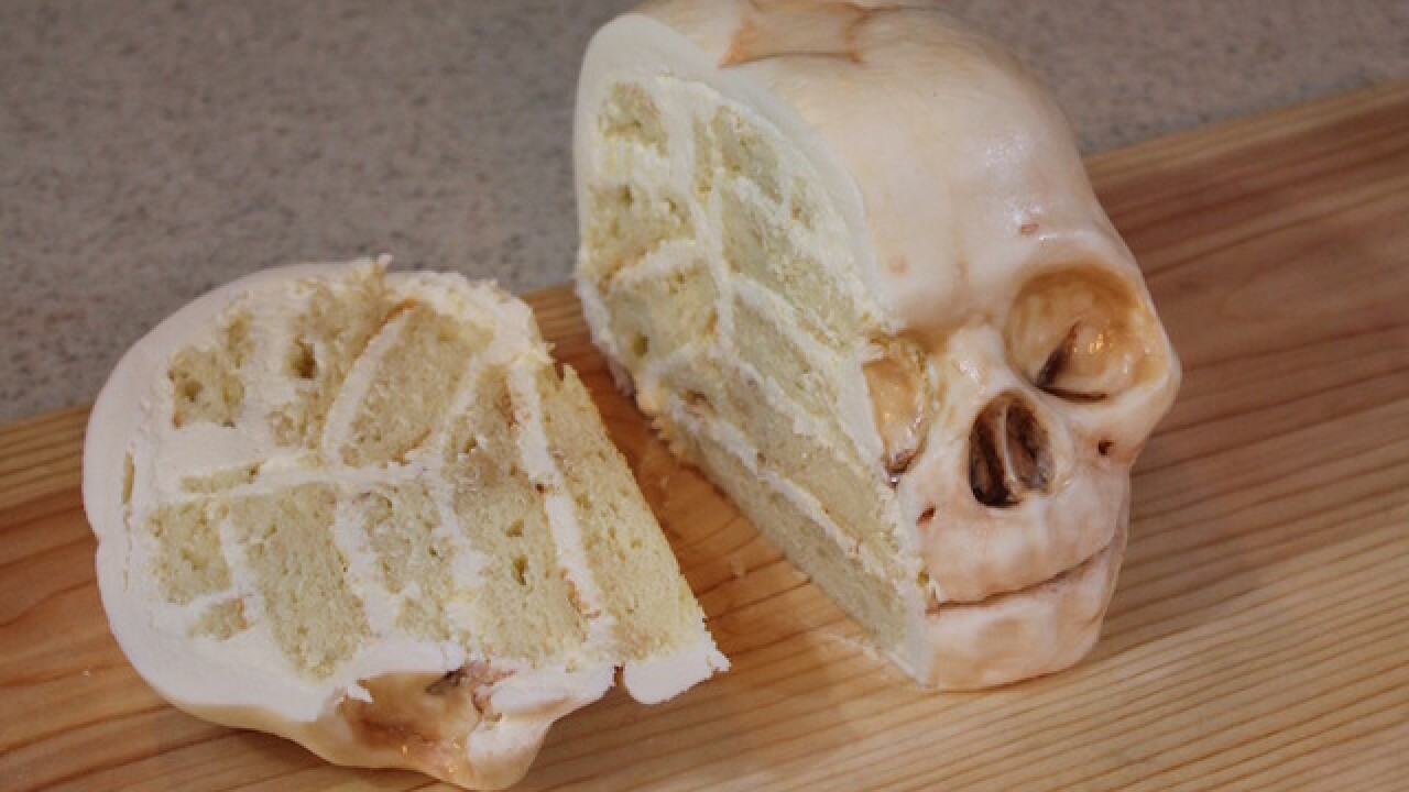 Woman's realistic cakes will creep you out