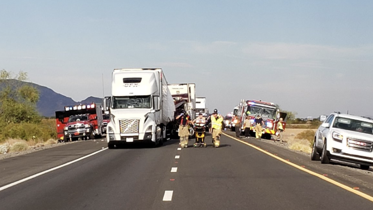 FD: 2 killed, 4 injured in accident on Interstate 10 near