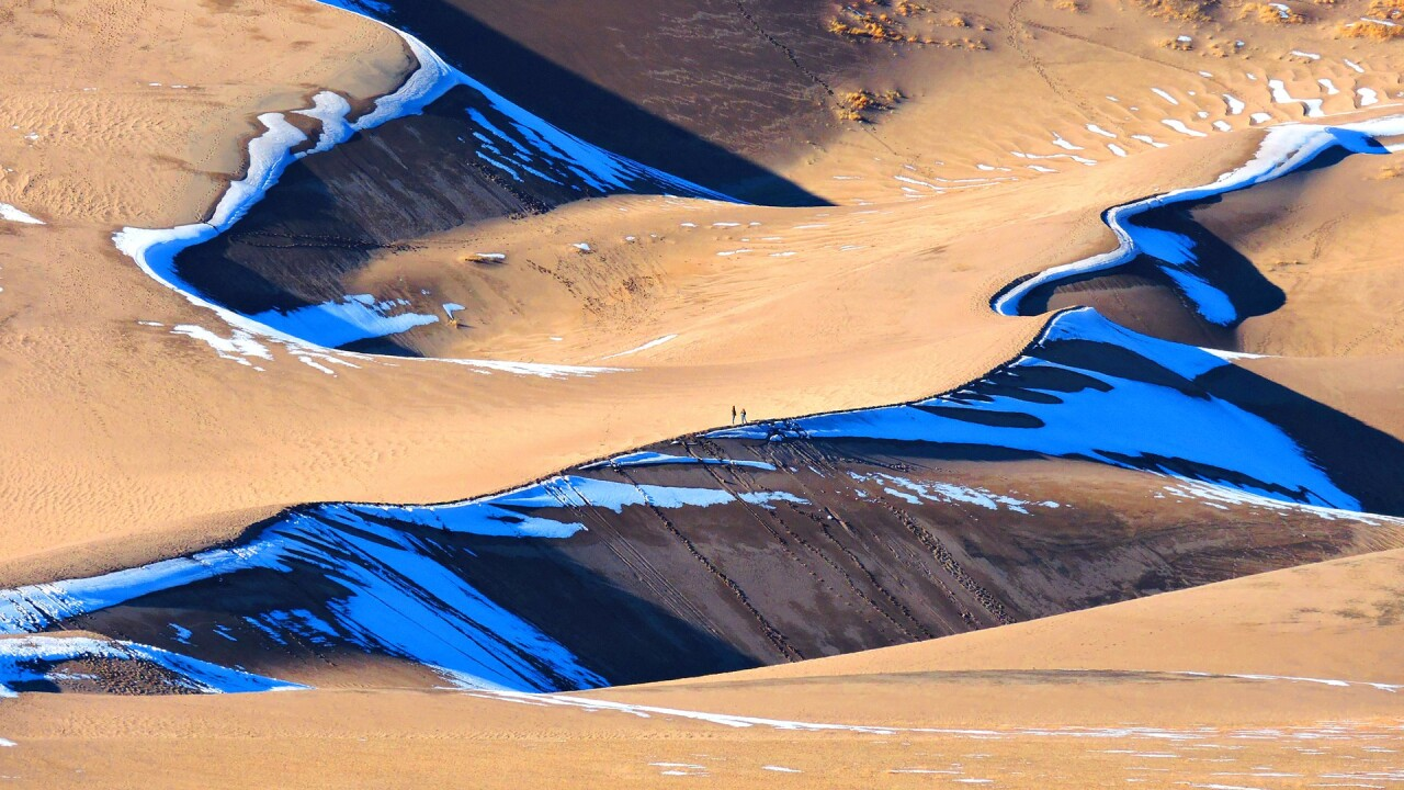 Snow on the Great Sand Dunes National Park and Preserve in Winter (2).jpg