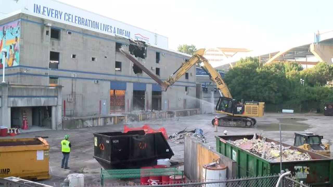 Summerfest Amphitheater demolition begins