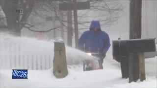 winter weather snow blower
