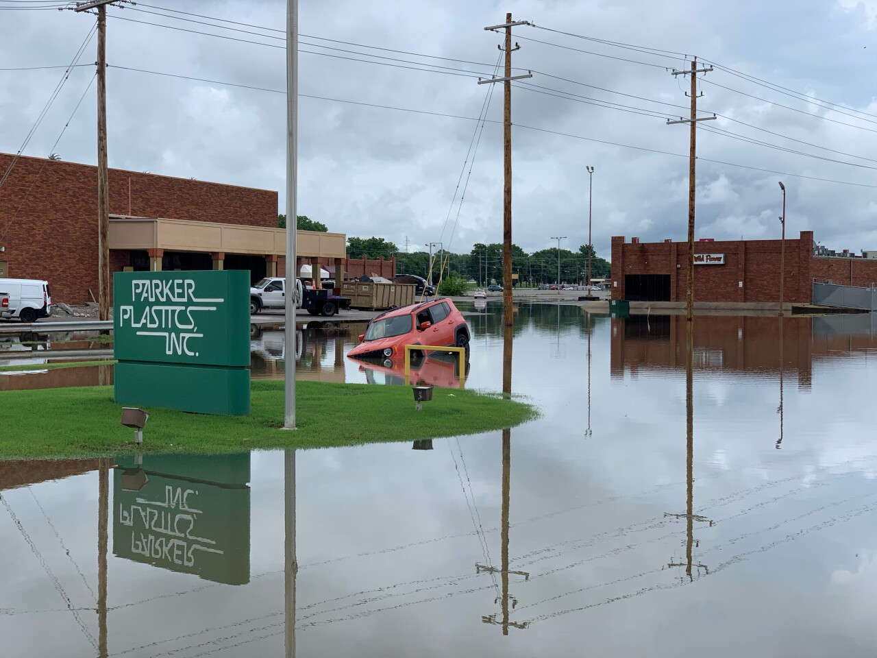 PHOTO: Sand Springs water rescue