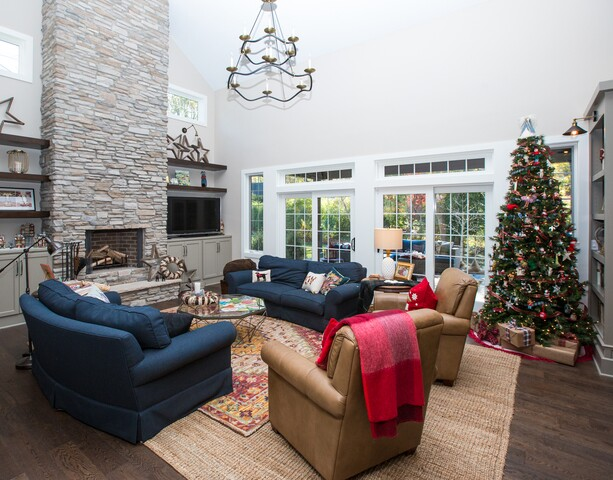 HOME TOUR: This Midtown home is already ready for Christmas!