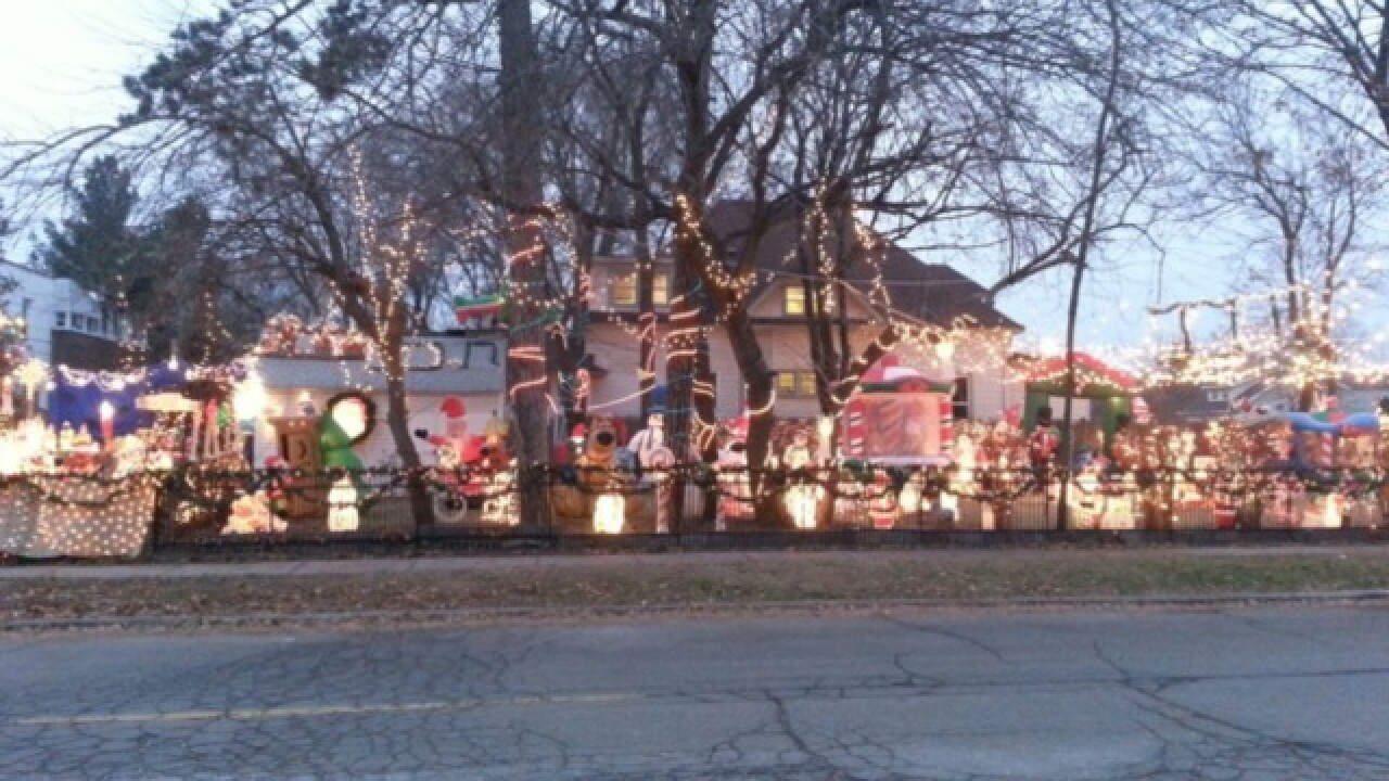 Royal Oak Unger family known for Christmas light display selling home, decorations