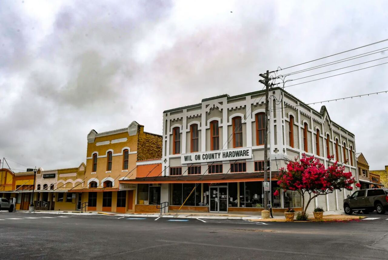 Downtown Floresville. Credit: Billy Calzada