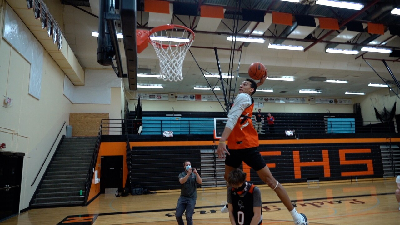 Brandon Finley dunk.jpg
