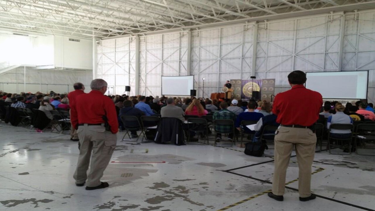 500+ teachers pack Colorado conceal carry class