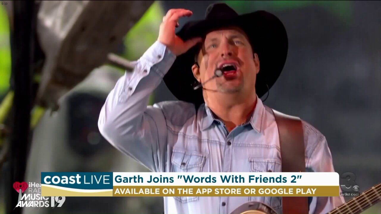 """How to play """"Words With Friends 2"""" with Garth Brooks on CoastLive"""