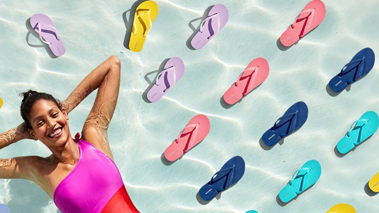 $1 flip-flops are back for Old Navy cardholders