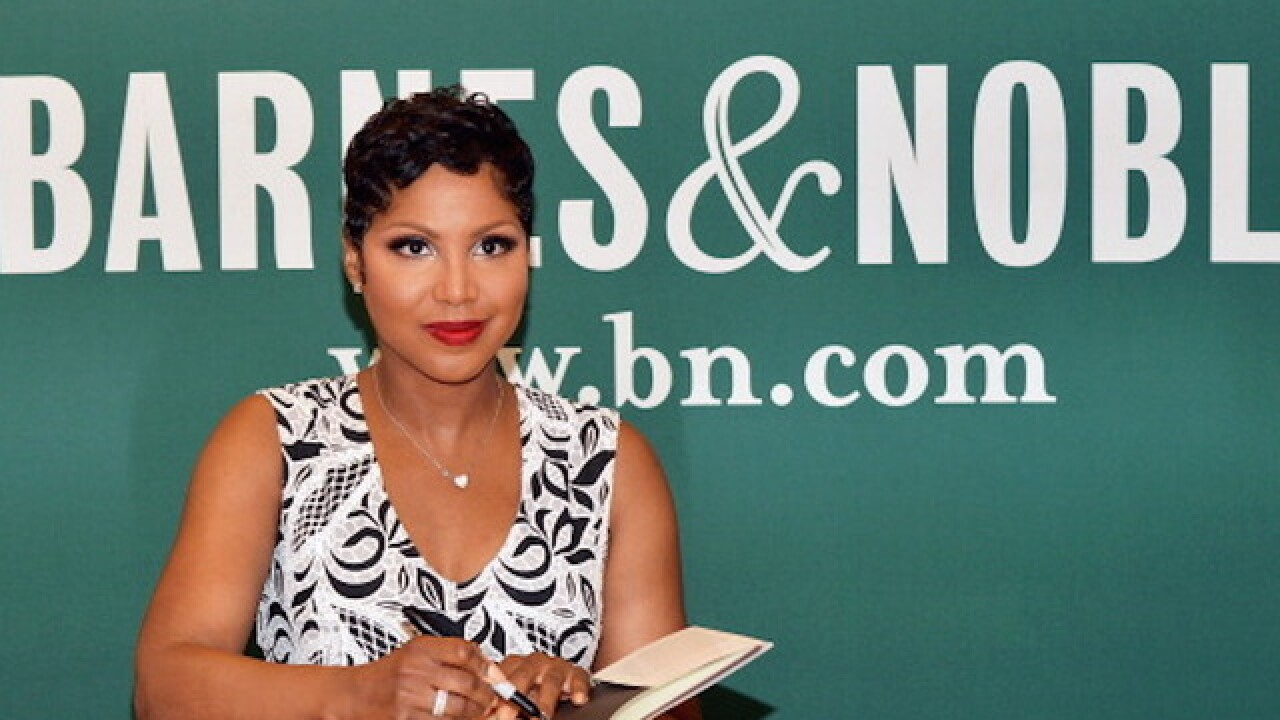 Singer Toni Braxton back at home after stay in hospital