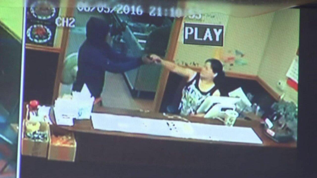 Fighting back: Virginia restaurant owner grabs robber'sgun