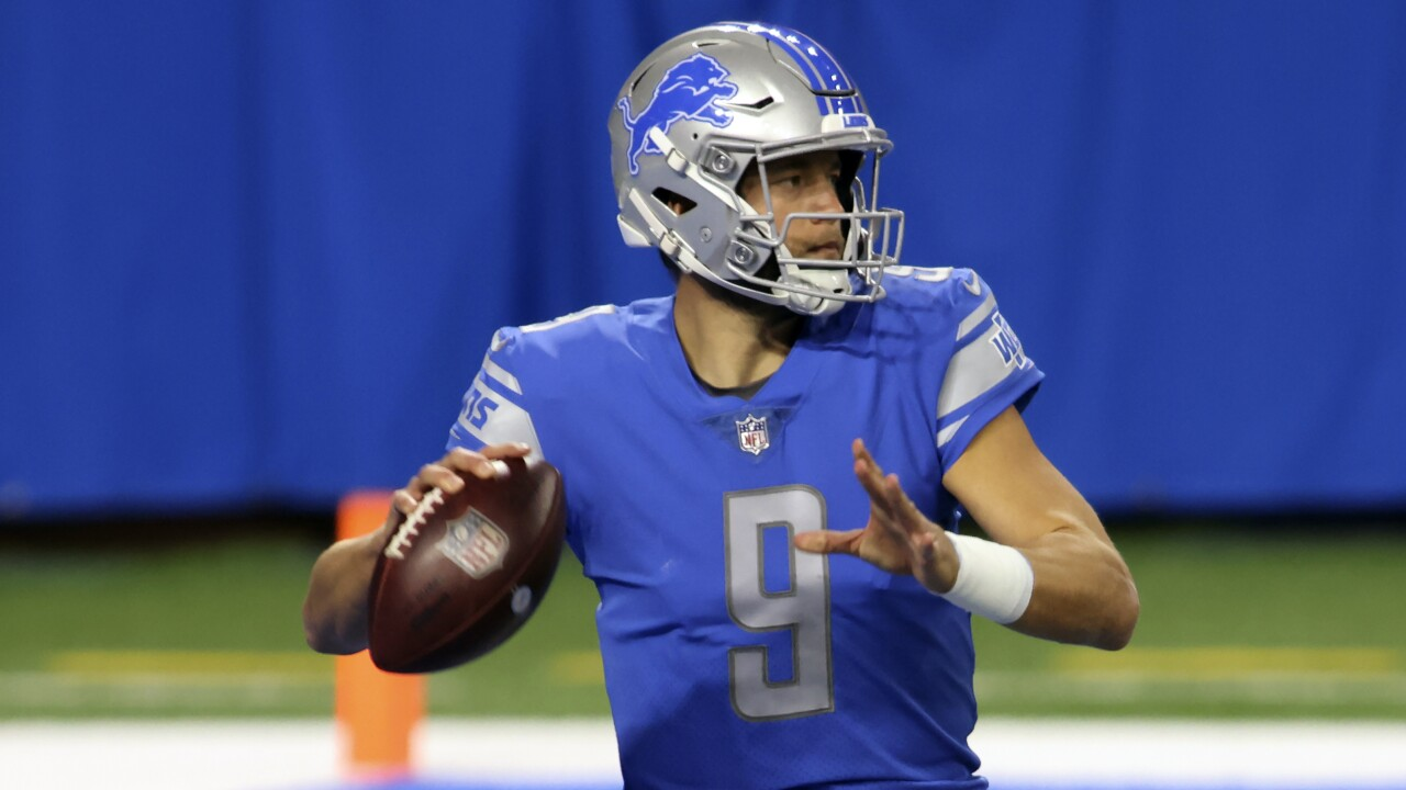 Report: Lions QB Stafford has partial tear in thumb ligament